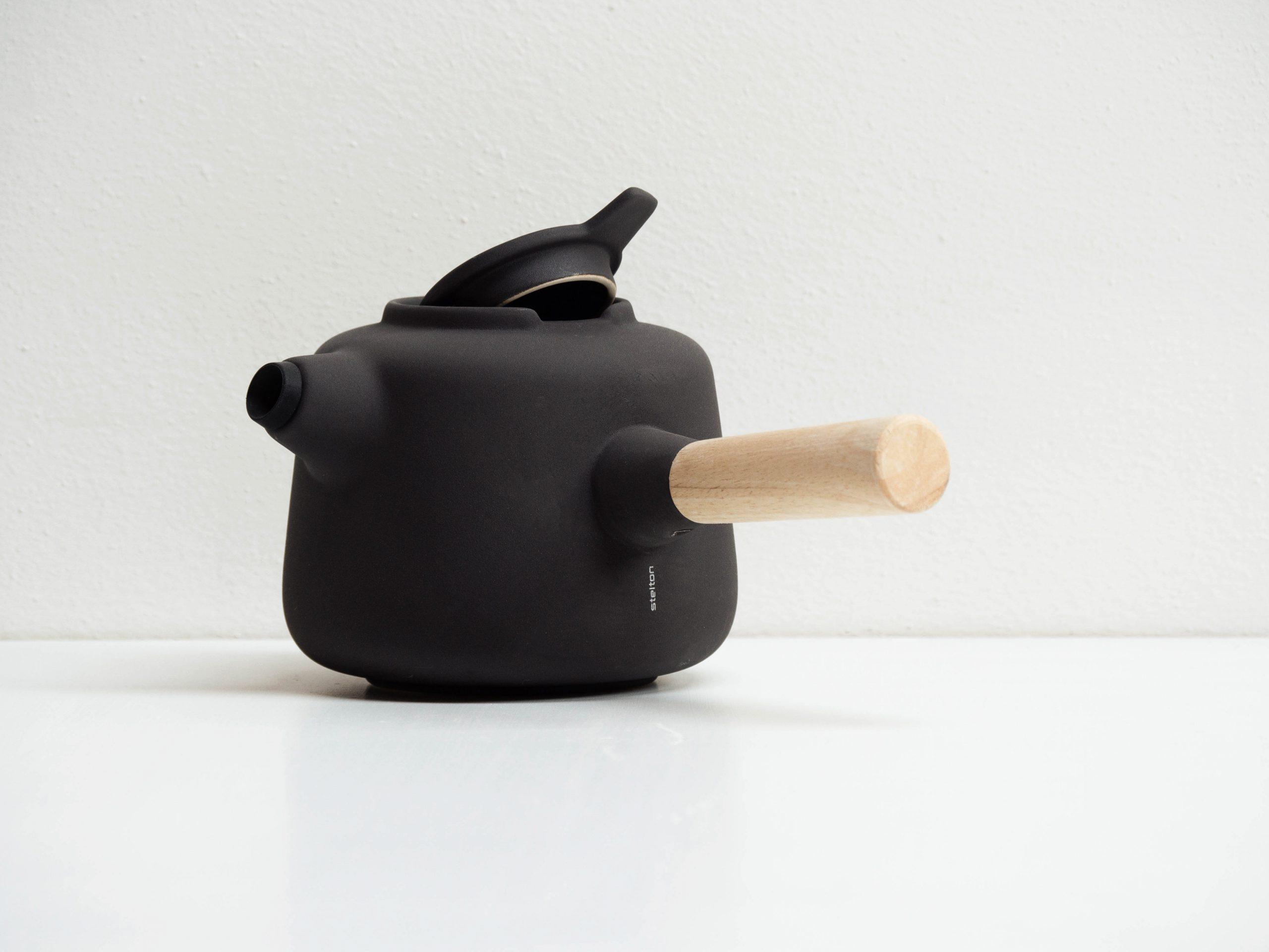 Collar Teapot by Debiasi Sandri