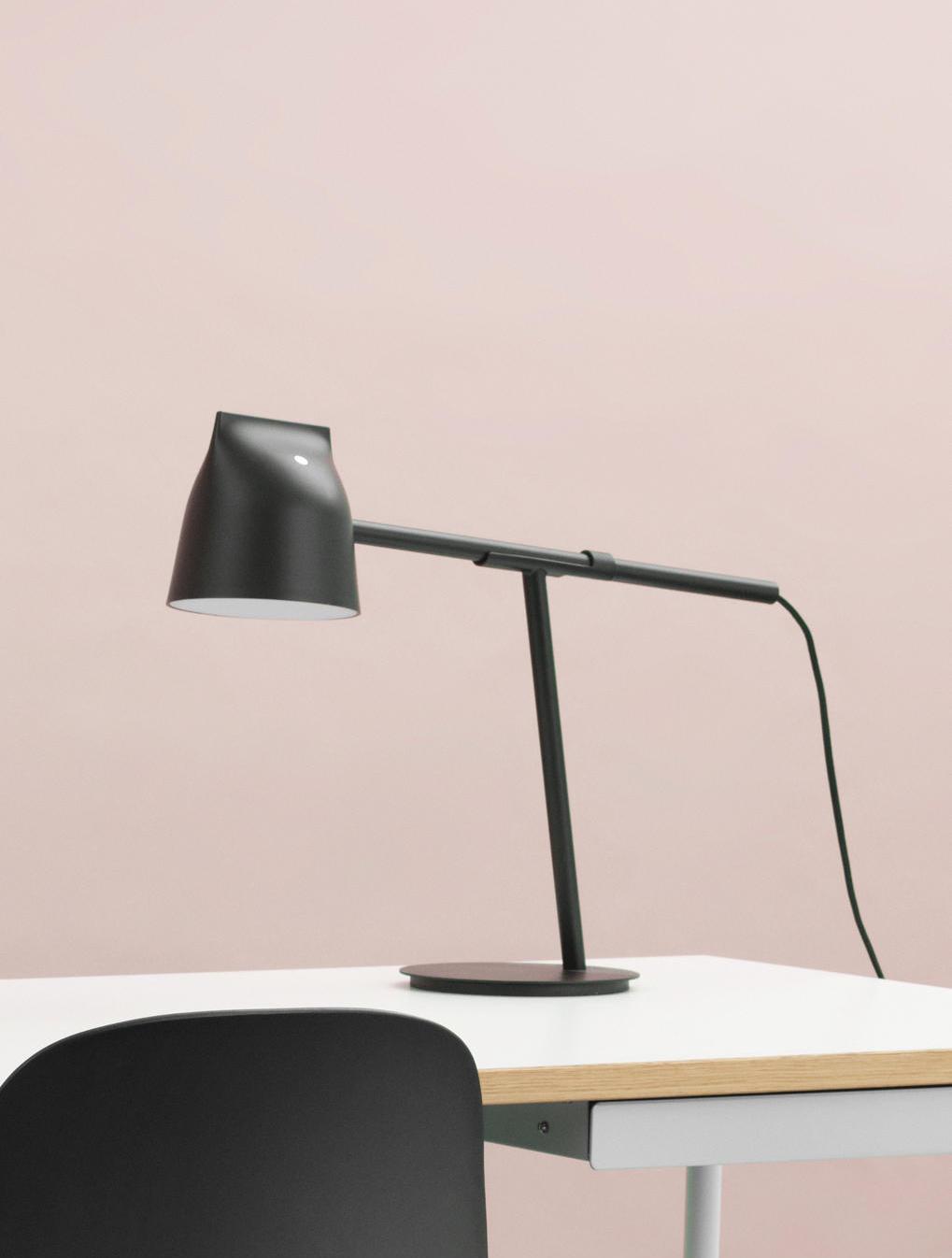 Black Momento lamp on desk
