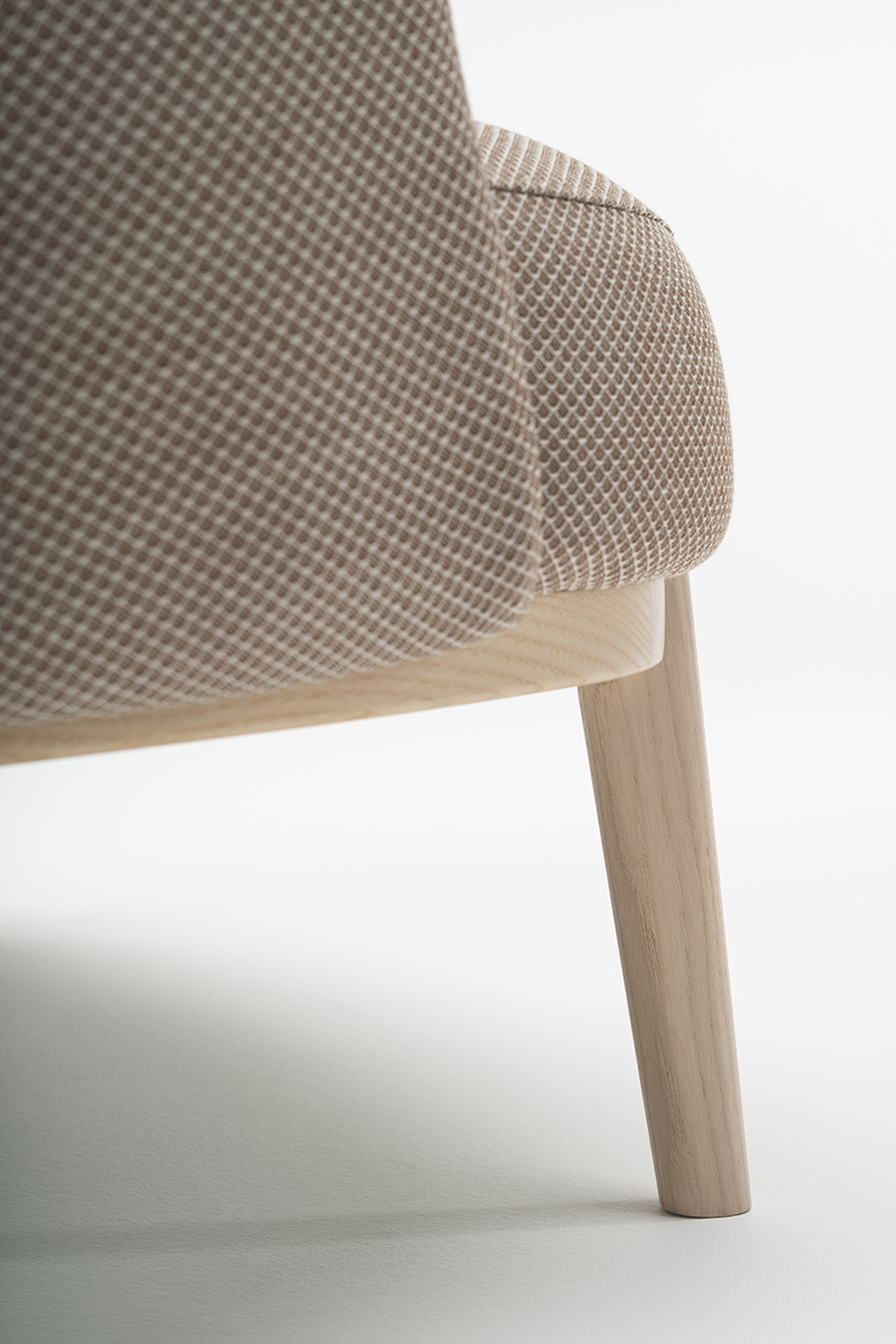 Wood detail on Shift easy chair by Debiasi Saandri for Offecct