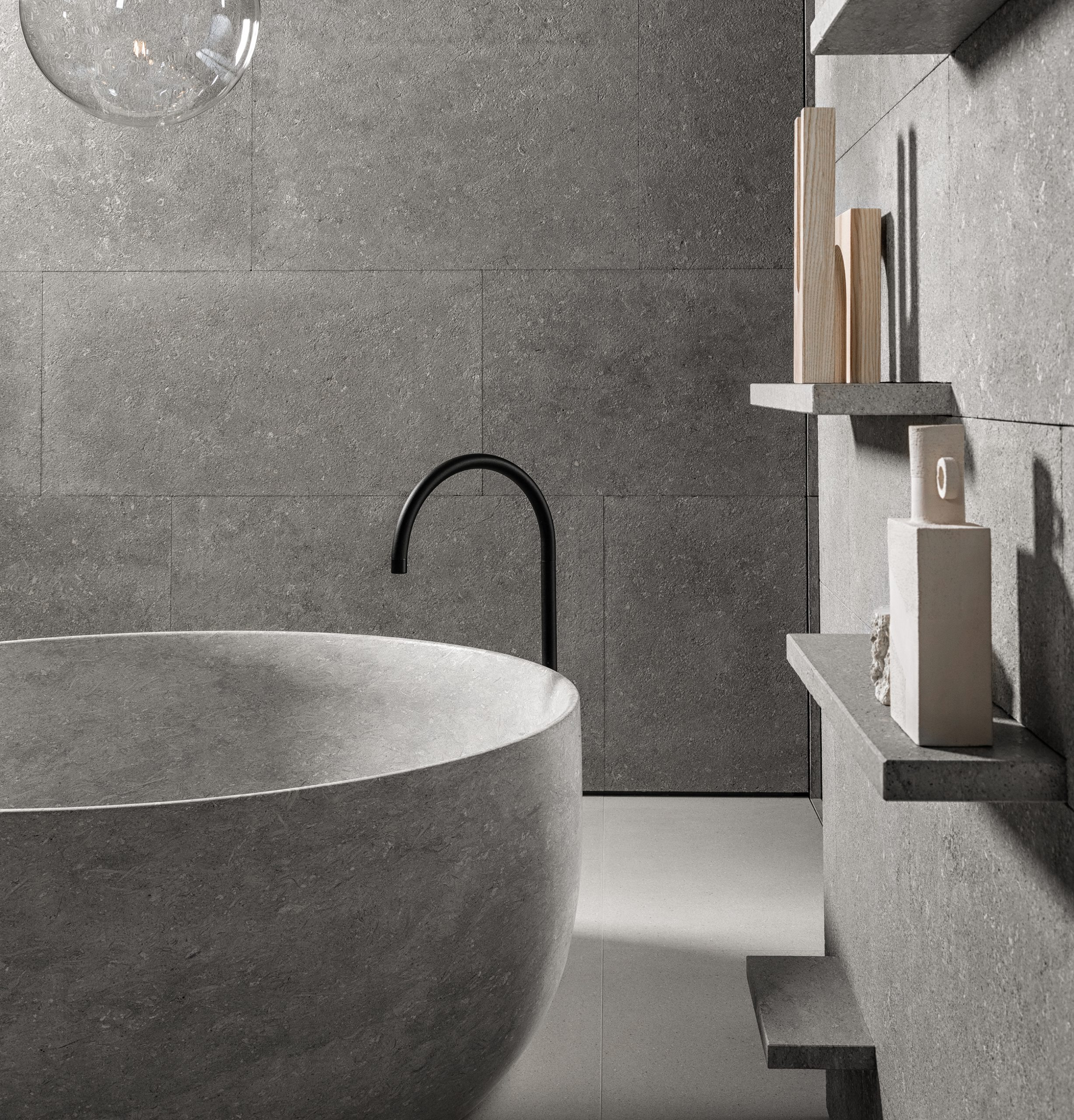 Detail of the Tetide bathtub, designed by Debiasi Sandri for Grassi Pietre